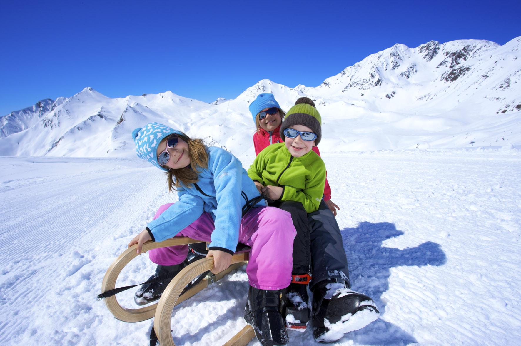 Rodelausflug mit der Familien im Skigebiet Serfaus-Fiss-Ladis